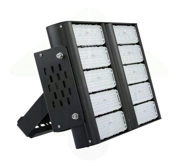 Tetra-XS LED Schijnwerper & High Bay - 400 Watt 500 Watt of 600 Watt - led terreinverlichting en sportveldverlichting en bedrijfshalverlichting